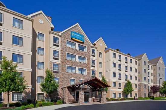 Glen Mills, Pensilvania: Staybridge Suites ~ Upscale Extended Stay  ~ Philadelphia Area