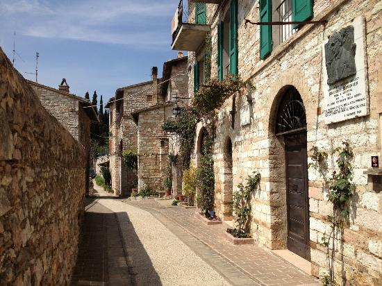 Assisi Retreats