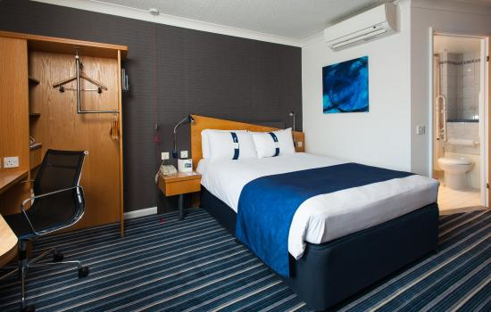 Holiday Inn Express Northampton M1, Jct 15: Surf the free Wi-Fi from the comfort of your room