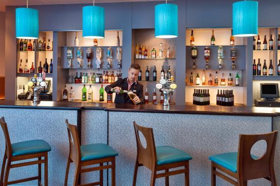 Jurys Inn Plymouth: Bar