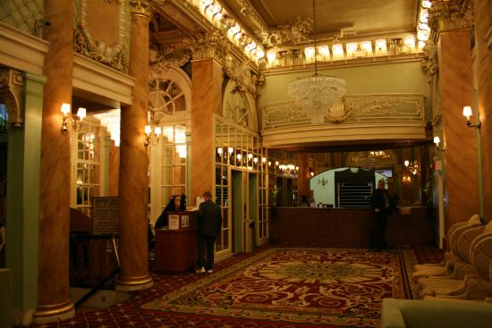 Le hall du Wolcott Hotel. Le hall du Wolcott Hotel   Picture of Wolcott Hotel  New York City