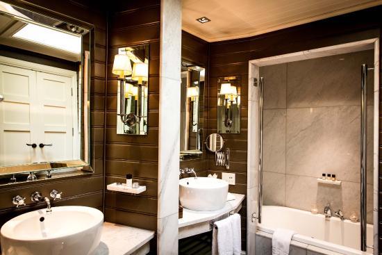 Eichardt's Private Hotel: Bathroom Interior