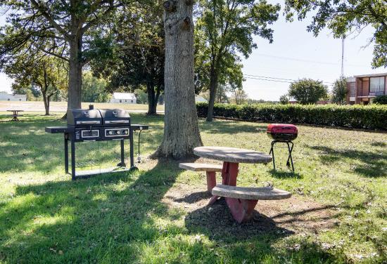 Rodeway Inn: BBQ