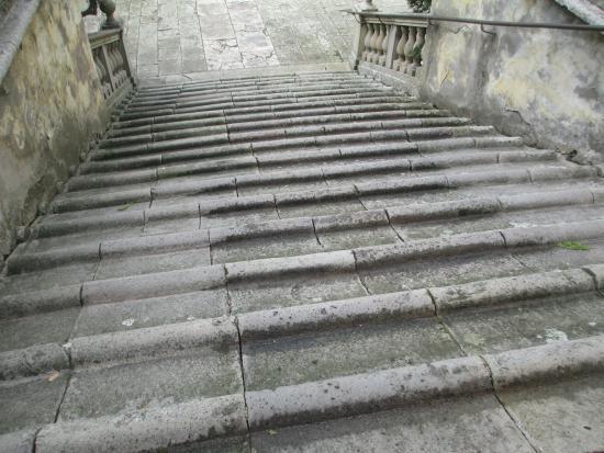 Battaglia Terme, Italia: Scalinata a cordolo