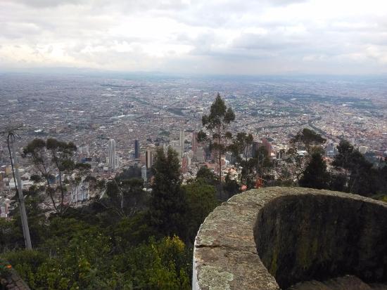 Bogotá, vista a partir do cerro de Mont Serrat - Picture of Mount ...