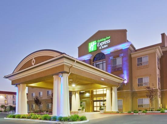 Holiday Inn Express & Suites Salinas