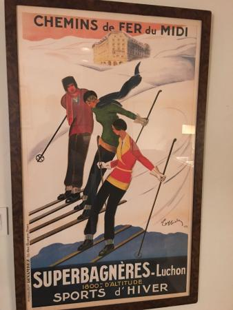 Mountainside Inn: one of 3 vintage french ski prints as decor in our room