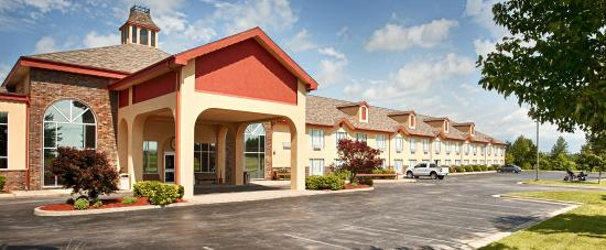 Quality Inn & Suites: New exterior