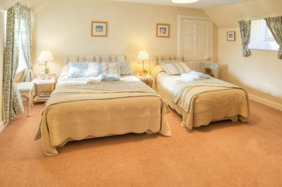 Wiltonburn Farm : B & B Family room with en-suite shower