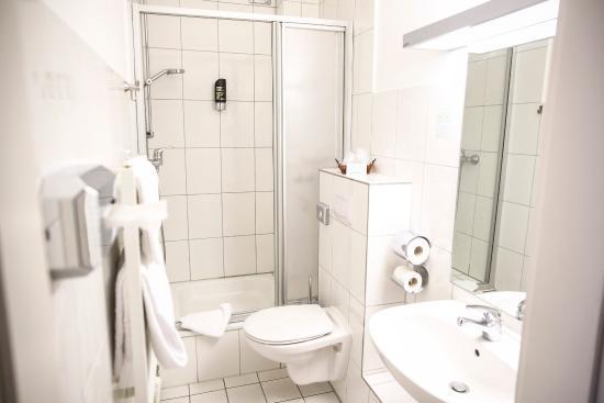 Hotel Marienthal Hamburg: Bathroom3
