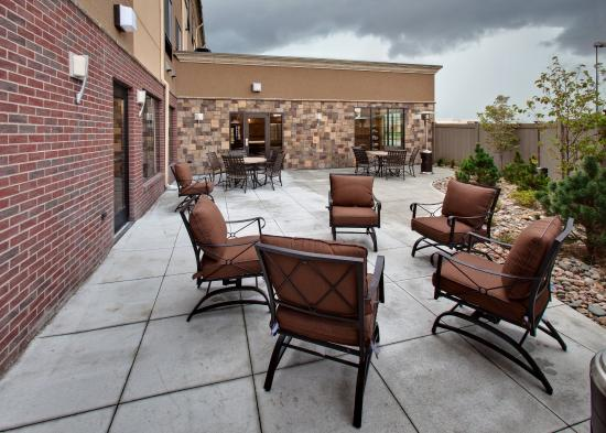 Holiday Inn Express Hotel & Suites Grand Island: Guest Patio