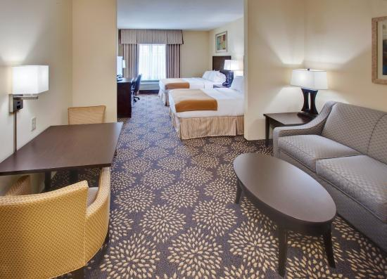Holiday Inn Express Hotel & Suites Grand Island: Suite