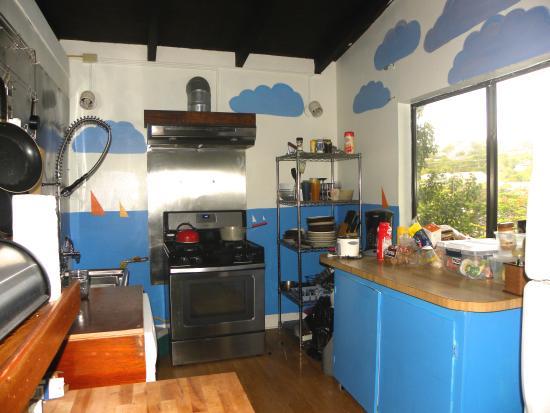 Rhoda's Guest House and Tillett Hostel: Our Kitchen
