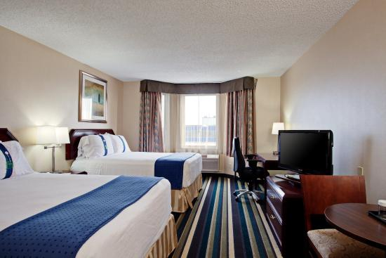 Holiday Inn Conference Ctr Edmonton South: Double Bed Guest Room