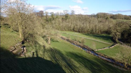 The Farmyard Inn : View at rear of village
