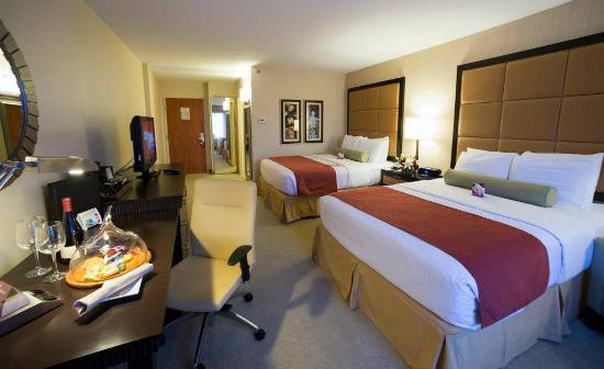 Claymont, DE: Two Queen Bed Guest Room