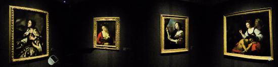 San Secondo di Pinerolo, Itálie: una sala espositiva mostra Caravaggio e il suo tempo
