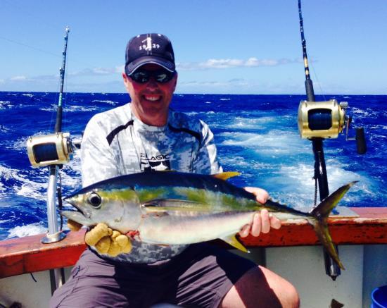 980 lb marlin deep sea fishing kauai kapaa for Best time to go deep sea fishing in the gulf