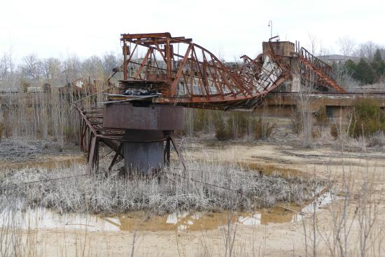 Park Hills, MO: remains of thickener tanks