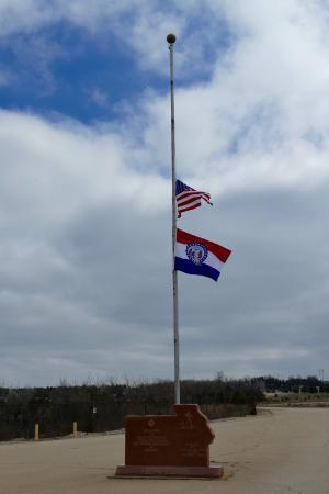 Park Hills, MO: flagpole