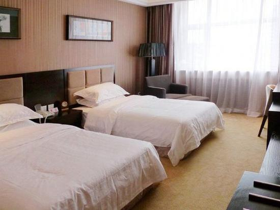 Jixi, China: Standard Twin Room