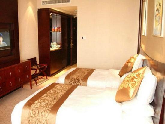 Tianbao Garden Hotel: Deluxe Twin Room