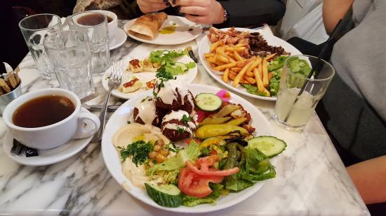 ‪Ya Hala - Lebanese Restaurant and Charcoal Grill‬