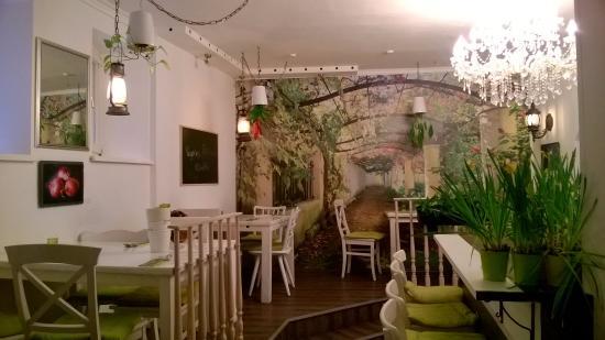 The Green Garden: Green Garden Interior