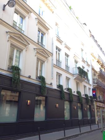 free minibar picture of hotel 34b astotel paris tripadvisor. Black Bedroom Furniture Sets. Home Design Ideas