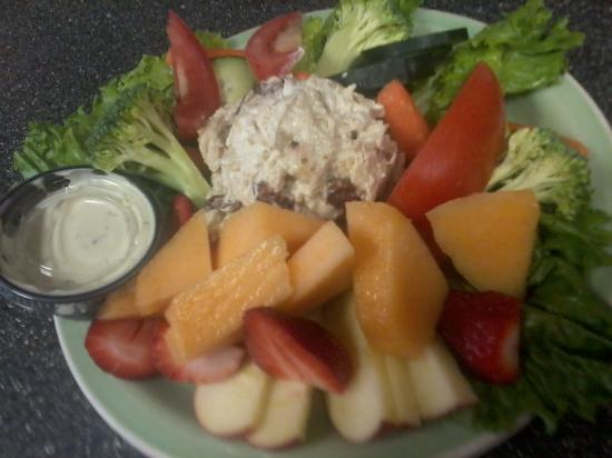 Cup of the Day: Chicken Salad Plate