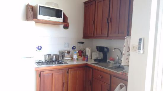 Arnos Vale, Tobago: kitchenette in Cabana 1