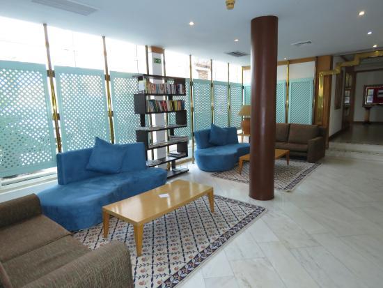 Hotel Baia Cristal: Library Area
