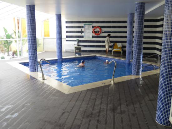 Hotel Baia Cristal: Indoor Pool