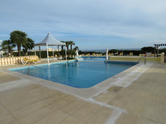 Hotel Baia Cristal: Two outdoor pools