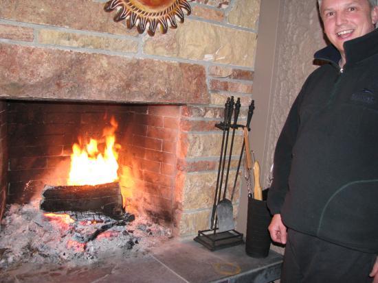 Vernon, Canada: The Main Floor Deck Fireplace