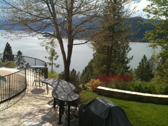Vernon, Canadá: Backyard Views