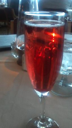 East Dubuque, Илинойс: Fancy blackberry champagne