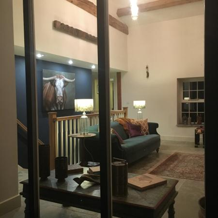 Sedbergh, UK: Looking into lounge from outside window