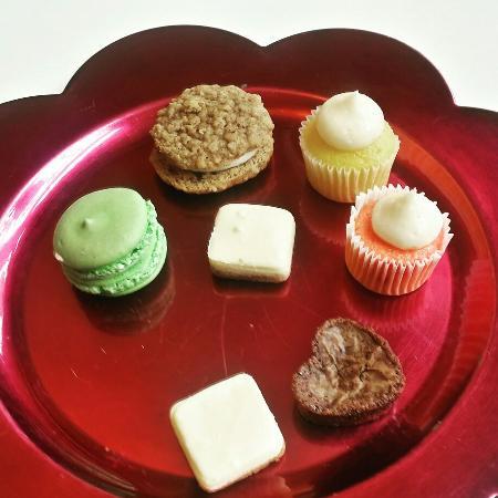 Photo of Restaurant Sweet Petit Desserts at 1426 Race St, Cincinnati, OH 45202, United States