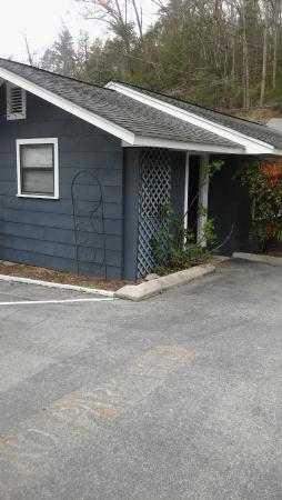 Carr's Northside Cottages & Motel: 20160406_152520_large.jpg