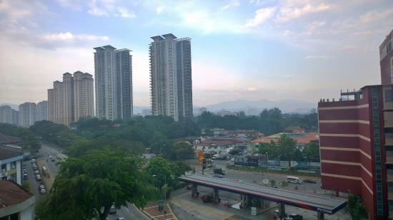 Ipoh Road Yong Tow Foo, Cairnhill Hotel