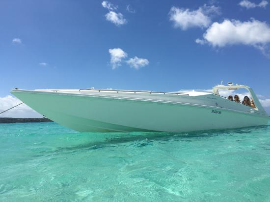 Simpson Bay, St. Maarten-St. Martin: Best boat ever Best captain Awesome Xperience Thanks Pascal & his sonic