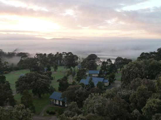 Dawn at Yering Gorge Cottages