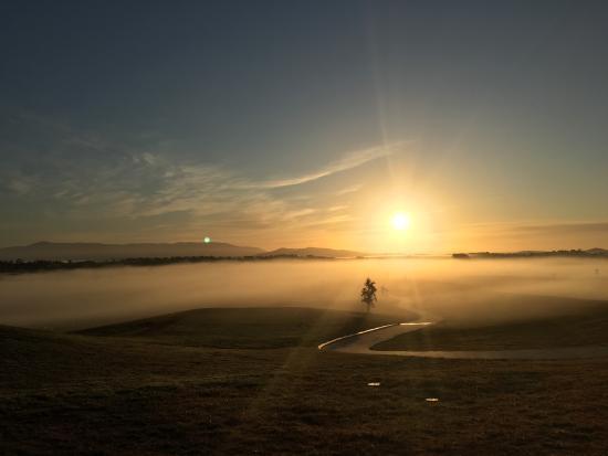 Yering, Australia: Sunrise at The Eastern Golf Club
