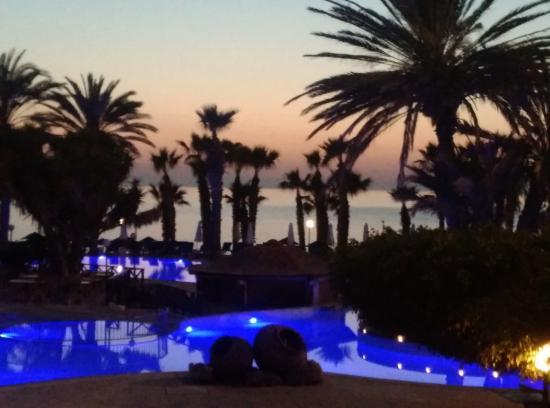 Azia Resort & Spa : Pool area at sunset