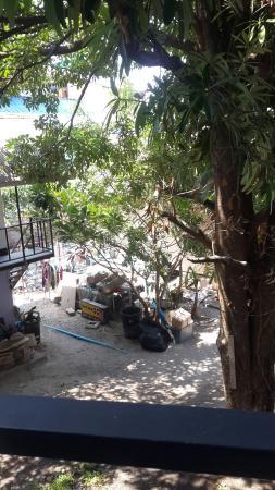 Phi Phi Anita Resort: 20160406_104614_large.jpg