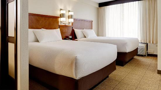 Hyatt Place Indianapolis Airport: Double Guestroom