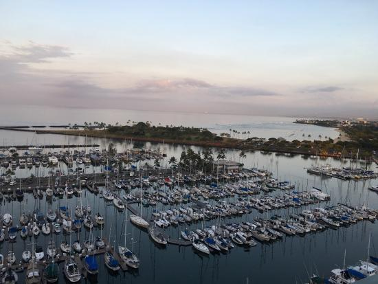 هاواي برينس هوتل ويكيكي: View from our room