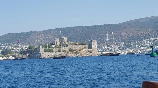 Castelo de Bodrum visto do mar - Foto di Castle of St. Peter, Bodrum - TripAd...