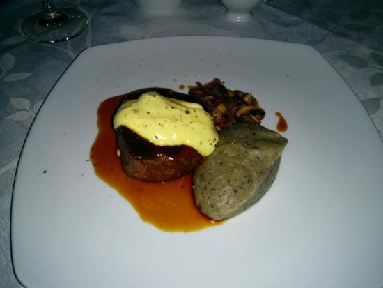 Hechizo: Filet w/truffle potato mash